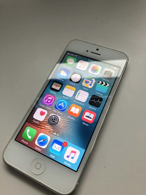 iPhone 5 - 16GB - unlocked for Sale in New York, NY