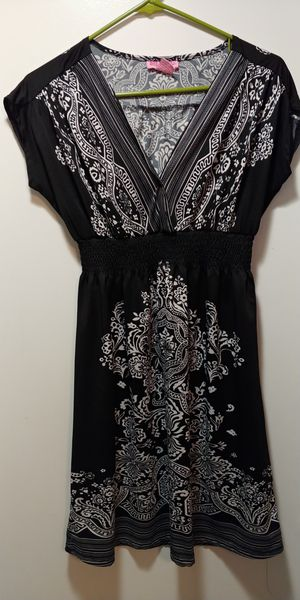 Pretty Women's Clothes, sizes small and extra small for Sale in Nashville, TN