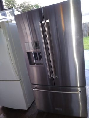 Kitchen Aid refrigerator for Sale in FL, US
