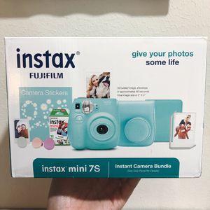 NEW Fujifilm Instax Mini 7S Instant Camera Bundle (sea foam) for Sale in Houston, TX