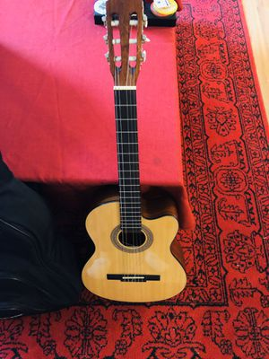 Lucero LC100CE Acoustic-Electric Cutaway Classical Guitar Natural for Sale in New York, NY