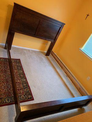 Queen bed frame for Sale in Ventura, CA