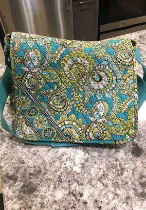 Vera Bradley Medium Messenger Bag for Sale in Temple Hills, MD