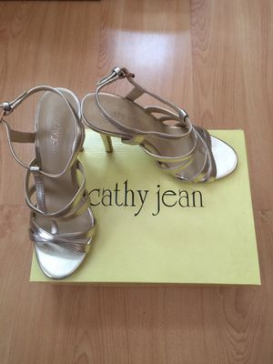 Cathy Jean gold strap heels 7.5 for Sale in Simi Valley, CA