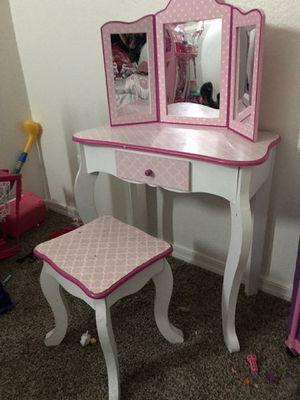 Kids girl vanity for Sale in Fort McDowell, AZ