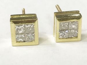 18K Yellow Gold Unisex Stud Earrings with approx. 0.80cttw Diamonds $699.99 **Great Buy** for Sale in Tampa, FL