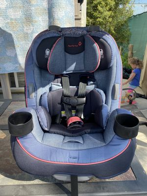 Safety 1ˢᵗ® Grow and Go™ 3-in-1 Convertible Car Seat for Sale in Brooklyn, NY