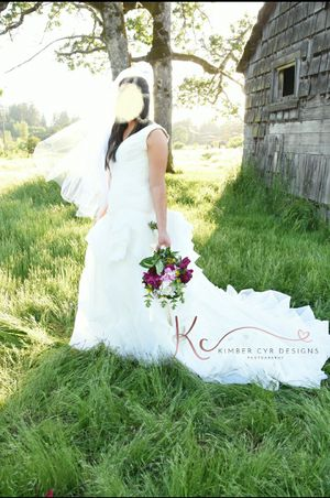 Wedding dress size 10 for Sale in Puyallup, WA