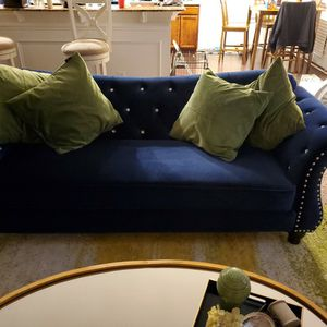 blue couch for Sale in Blythewood, SC