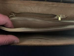 NEW AUTHENTIC LOUIS VUITTON BRIEF CASE for Sale in Los Angeles, CA