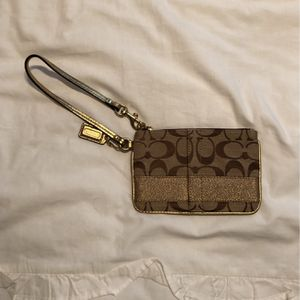 Small Coach Wristlet for Sale in Cayce, SC