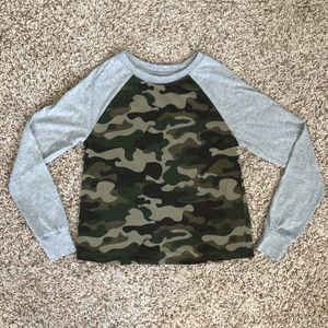 Zoe + Liv camo long sleeve - XS for Sale in Orlando, FL
