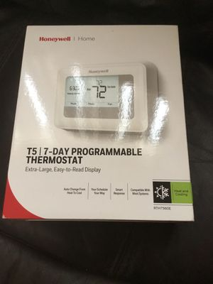 Honeywell t5/ 7 Day programmable thermostat, extra large easy to read for Sale in Spring Hill, FL