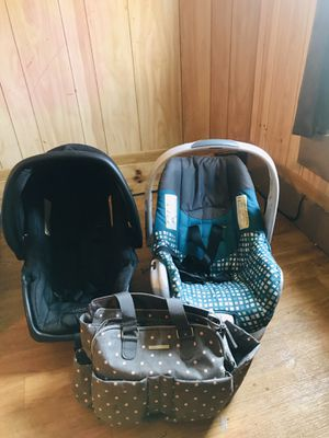 Baby car seats and bag for Sale in Palatka, FL