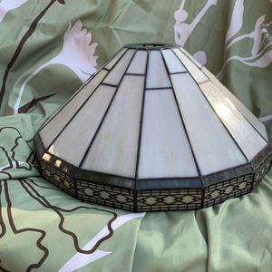 Tiffany-style Lamp Shade for Sale in Waxahachie, TX