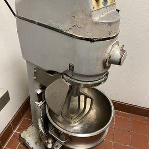 Globe 30 Quart Stand Mixer for Sale in Baton Rouge, LA