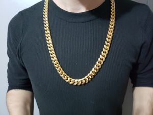 14k Gold Cuban Link Chain 30 inch 12mm for Sale in Addison, TX