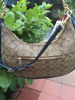 Coach shoulder handbag for Sale in Gardena, CA