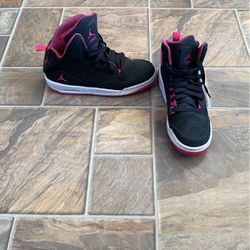 Jordan's Size 7Y Also Fits a Woman Size 8 for Sale in Williamsport,  PA