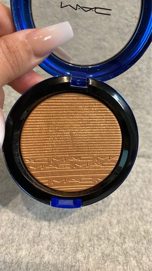 Mac Cosmetics highlighter Bronzer Shaft of Gold (makeup beauty make up) for Sale in San Antonio, TX