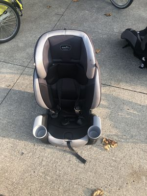 Car seat for Sale in Perry, IA