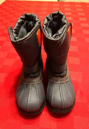 Size 13 kids snow boots for Sale in Corona, CA