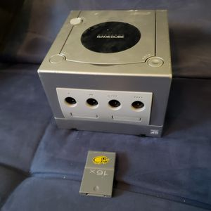 Gamecube Console & a Memory Card for Sale in Fort Worth, TX