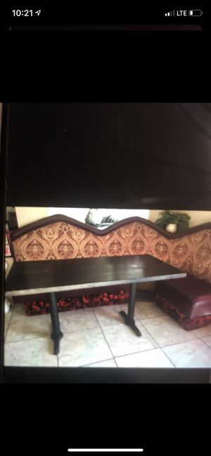 BOOTH WITH TABLE for Sale in Corona, CA