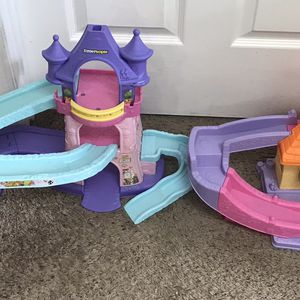 2 Little People Playsets $5 for both for Sale in Port St. Lucie, FL