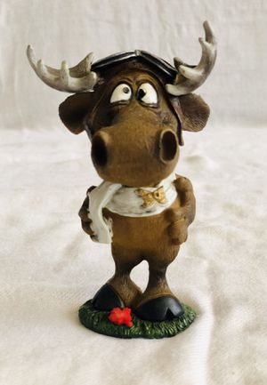 "Collectible Ceramic 5"" inch Deer in Love Figurine Statue Souvenir Home Decor. for Sale in El Cajon, CA"