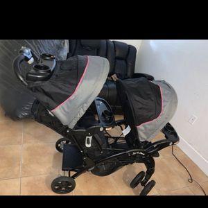 Double stroller like new for Sale in Hialeah, FL