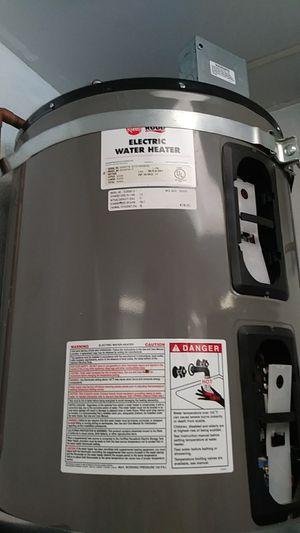 Rheem ruud electric water heater for Sale in Los Angeles, CA