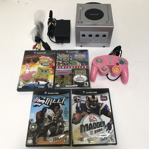 Silver Nintendo Gamecube system console with 4 games and controller for Sale in Rockville, MD