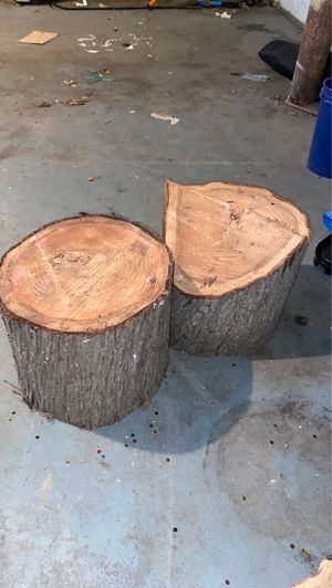 PENDING PICK UP 2 big pieces of cedar for Sale in Tacoma, WA