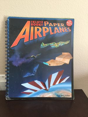 THE KLUTZ BOOK OF PAPER AIRPLANES BY DOUG STILLINGER for Sale in Murrieta, CA