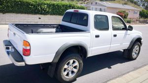 NO RUST TOYOTA TACOMA NEW TIRES 2003 for Sale in Rochester, NY