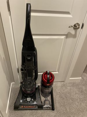 Hoover wind tunnel vacuum for Sale in Bothell, WA