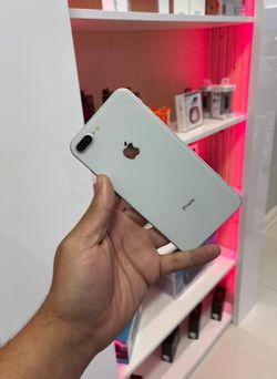 Iphone 8 plus 64Gig 0PJ4 for Sale in Pinecrest,  FL