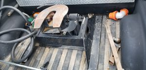 B & W companion 5th wheel hitch for Sale in Jane Lew, WV