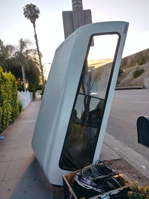 ...FREE..Camper shelf for truck ...FREE for Sale in Arcadia, CA