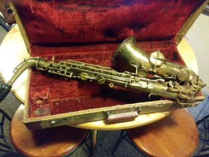 Melody Master Elkhart IN saxophone from the 40s for Sale in Las Vegas, NV