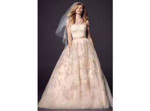 $499 or better offer Wedding Dress Oleg Cassini Cwg614 Wisper Pink for Sale in North Miami Beach, FL