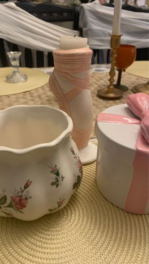 Baby girl shower items for Sale in San Antonio, TX