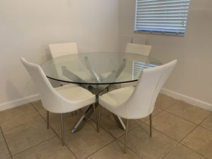Dining table for Sale in Homestead, FL