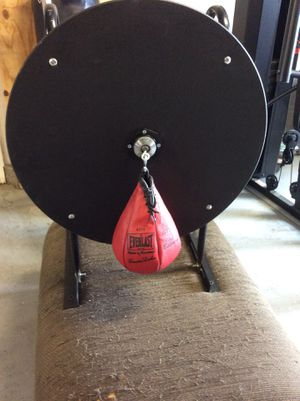 Genuine Everlast Platform, Swivel, and Speed bag. for Sale in Fontana, CA