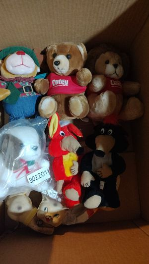 Mixed stuffed animal lot for Sale in Sheffield Lake, OH