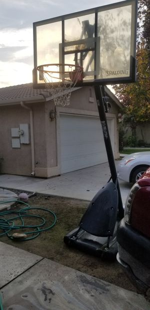 Spalding Basketball hoop for Sale in Bakersfield, CA