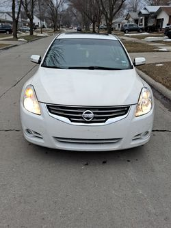 Car Nissan Altima 2012 for Sale in Dearborn,  MI