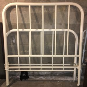 Heavy duty metal bed frame (full) for Sale in Rochester, NY