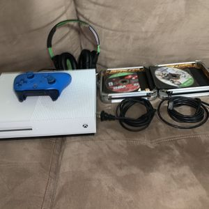 Xbox One S With 12 Games, Headset, And Controller for Sale in Miami, FL